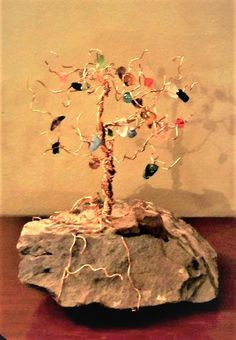 Family birthstone tree, mother gift, family tree, wire trees Gifts For Family, Gifts For Mom, Birthstone Gems, Wire Trees, Grandmother Gifts, Tree Necklace, Mother And Child, Birthstones, Jewelry Gifts
