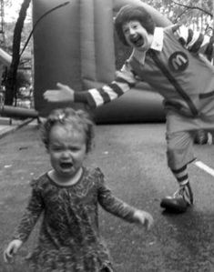 Funny pictures about Screw clowns. Oh, and cool pics about Screw clowns. Also, Screw clowns. Haha Funny, Funny Memes, Funny Stuff, Funny Drunk, Kid Memes, Videos Funny, Ronald Mcdonald, Bozo, Belle Photo