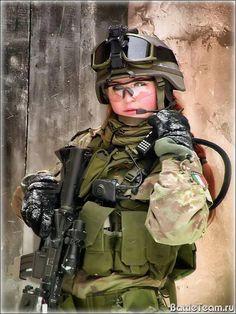 Female Modern Warfighter - Italy