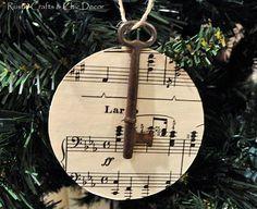 DIY Christmas ornament.. I think I'm gonna make this for my boyfriend