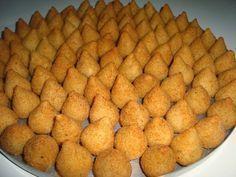 A Coxinha Prática de Liquidificador é mais prática que a coxinha tradicional e… Healthy Cooking, Healthy Recipes, Indian Food Recipes, Ethnic Recipes, I Chef, Food Platters, Cooking Gadgets, Arabic Food, Appetisers