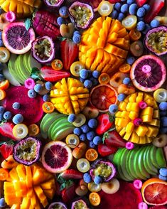 Healthy Fruits, Healthy Snacks, Healthy Recipes, Delicious Fruit, Yummy Food, Turkey Fruit Platter, Fruit Platter Designs, Food Porn, Party Food Platters