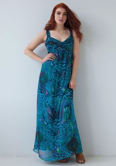 d8dbdbd4f2a82 How to Wear a Maxi Dress in Prints. Plus Size ...