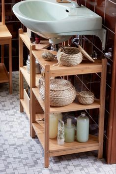 20 Clever Pedestal Sink Storage Design Ideas To all small bathroom owner, please never think that you do not get any luck. You only need to make storage in your small yet cute bathroom Under Sink Storage, Small Bathroom Storage, Bathroom Organisation, Diy Bathroom Decor, Room Organization, Bathroom Ideas, Towel Storage, Bathroom Renovations, Ikea Storage