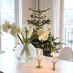White Swedish Christmas, Very Merry Christmas, Cozy Christmas, Green Christmas, Scandinavian Christmas, Christmas Crafts, Christmas Decorations, Xmas, Holiday Decor