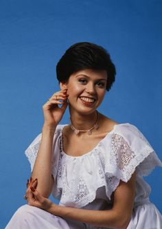 Young Marie Osmond Wearing a White Dress Marie Osmond, Osmond Family, The Osmonds, Looking Back, Growing Up, Real Life, Hollywood, Singer, Actresses
