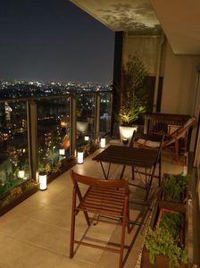 ベランダ生活のススメ--照明--   Sunny days & Happy days +plus Condo Balcony, Interior Balcony, Porch And Balcony, Balcony Design, Apartment Interior, Home Room Design, Home Interior Design, Interior Decorating, House Design