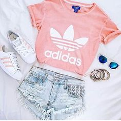 What I'd really love to wear today but my lecturer won't allow me in the lab dressed like this #whattowear #adidas #styleinspiration #summerstyle #denimshorts #fashion