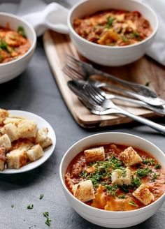 ONE POT RAVIOLI IN A CREAMY TOMATO BEEF SAUCE http://recipes-only.com/one-pot-ravioli-in-a-creamy-tomato-beef-sauce-3/
