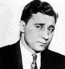 """""""Machine Gun"""" Jack McGurn (July 1902 – February born Vincenzo Antonio Gibaldi, was a small time boxer, an Italian-American mobster and key member of Al Capone's Chicago Outfit. Real Gangster, Mafia Gangster, Italian Gangster, Al Capone, Valentines Day Massacre, Chicago Outfit, Mafia Families, Serial Killers, Underworld"""
