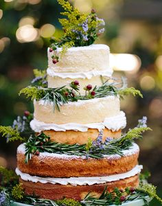 I'm definitely a sucker for a naked cake because frosting isn't my favorite.