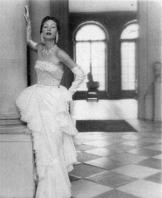Pourquoi la mode des années 50 nous fascine ?