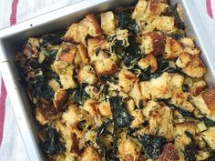 Roasted Garlic and Kale Stuffing - Christmas Stuffing Recipes Stuffing Recipes For Thanksgiving, Thanksgiving Side Dishes, Holiday Recipes, Christmas Recipes, Christmas Stuffing, Holiday Meals, Vegetarian Christmas Dinner, Vegetarian Thanksgiving, Holiday Dinner