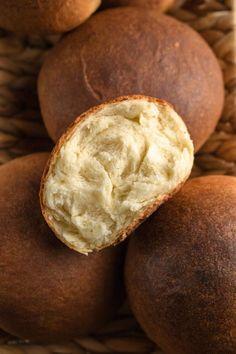 Bułki Piłsudskiego (7 składników) Bread Recipes, Cake Recipes, Cooking Recipes, Salty Snacks, Bread And Pastries, Holiday Desserts, Kitchen Recipes, Bread Baking, Food Photo
