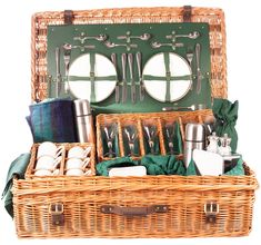 The Edwardian 6 person luxury picnic hamper in green