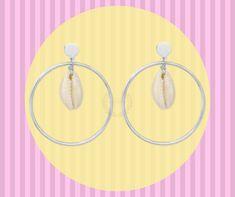 👋¡HOLA!👋 ¡HOLA!👋, ‼️qué tal en la 🔮‼️ en la 🔮 te veo venir, en la 🔮 estás junto a mí, en la 🔮 veo, un deseo... #marietaearrings #conchas #pendientesplata #boladecristal #moonlight #verano2019 #lasolana #clm Drop Earrings, Jewelry, Shell Earrings, Silver Hoops, Crystal Ball, Snails, Shells, Wish, Jewels