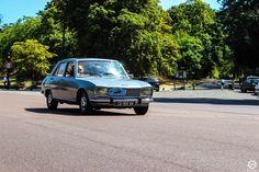 #Peugeot #504 à la Traversée de #Paris en #Voitures #Anciennes #TdP2015 Article original : http://newsdanciennes.com/2015/08/03/grand-format-news-danciennes-a-la-traversee-de-paris-2/ #Cars #Vintage