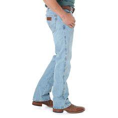 Wrangler Men's Retro Slim Fit Bootcut Jeans (Size: 30 x 36) Light Blue