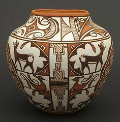 Pottery Vase by Noreen Simlicio (Zuni) Native American Pottery, Native American Artists, Native American Indians, Southwest Pottery, Southwest Art, Pottery Pots, Pueblo Pottery, American Indian Art, Gourd Art