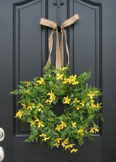 Love this wreath! I need to make it for my door for spring.