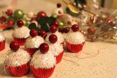 Les cupcakes sont si adorables! Faites-en des boules de Noël!