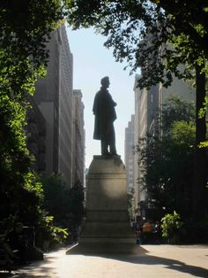 Abraham Lincoln statue - union square park - NYC.....  photo by Jim Fairfax www.fairfaxstudios.com