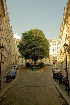 Paris ✈ A côté de la Rue des Pyrénées, Paris 20ème