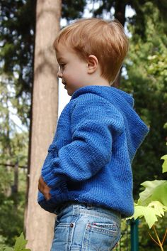 Ravelry: Playtime Hoodie pattern by Susie Bonell Baby Boy Knitting Patterns Free, Baby Sweater Patterns, Knit Baby Sweaters, Knitting For Kids, Baby Knitting, Baby Knits, Hat Patterns, Ravelry, Hoodie Pattern