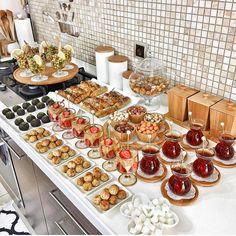 G r nt n n olas i eri i yiyecek ve i mekan Turkish Breakfast, Brunch, Food Decoration, Food Platters, Iftar, Evening Meals, Fresh Vegetables, Food Items, Food Presentation