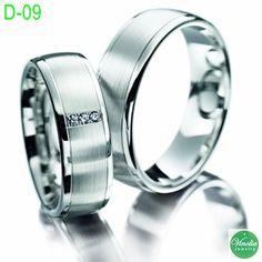 Cincin Kawin D-09 ini merupakan salah satu best seller di toko kami. Desain yang simple nan elegan menjadi salah satu hal yang membuat cincin ini disukai customer.