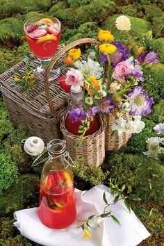 Sparkling Strawberry and Basil Lemonade