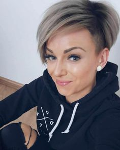 35 Best Short Hairstyles for Women All Around The World 2019 - Hair haircuts Hairstyles pixiehair shorthair shorthaircut shorthairstyles - Short Hairstyles - Hairstyles 2019 642185228094722954 Popular Short Hairstyles, Short Hairstyles For Thick Hair, Pixie Hairstyles, Easy Hairstyles, Curly Hair Styles, Growing Out Short Hair Styles, Short Womens Hairstyles, Creative Hairstyles, Pixie Haircuts