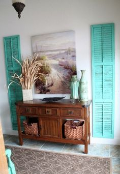 DIY Ideas for Your Entry - Repurposed Shutters Entryway Wall Decor - Cool and Creative Home Decor or Entryway and Hall. Modern, Rustic and Classic Decor on a Budget. Impress House Guests and Fall in Love With These DIY Furniture and Wall Art Ideas http:// Diy Home Decor Rustic, Beach Cottage Decor, Cheap Home Decor, Coastal Decor, Farmhouse Decor, Beach Style Wall Decor, Rustic Beach Decor, Cheap Beach Decor, Coastal Style