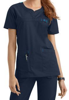 27 Trendy Medical Scrubs For Women Fashion Scrubs Outfit, Scrubs Uniform, Scrub Suit Design, Stylish Scrubs, Scrub Jackets, Womens Scrubs, Uniform Design, Medical Scrubs, Work Wear