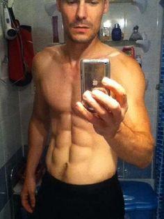 Jarek Ostrava of the Czech Republic does a 6pack mirror selfie