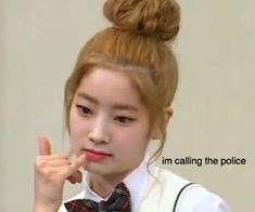 Funny Kpop Memes, Cute Memes, Kpop Girl Groups, Kpop Girls, Namjin, K Pop, Memes Lindos, Twice Fanart, Reaction Face