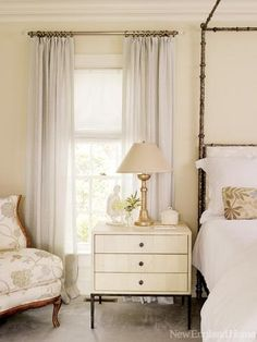 BM Linen White - walls; Super White - trim