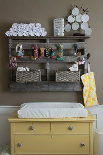 cute idea for pallet for kids room
