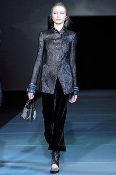 Giorgio Armani Fall 2011 Ready-to-Wear Fashion Show - Charlotte di Calypso