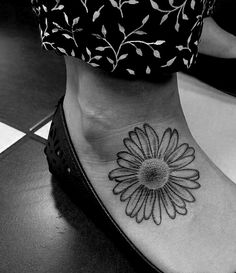 daisy flower tattoo for my dog daisy that passed away love it in black maybe on back off to. Black Bedroom Furniture Sets. Home Design Ideas