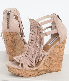 Fall in love with shoes by shopping the collections at www.ktique.com !