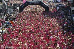A CLERMONT-FERRAND (63000) une vague rose déferle sur la 7e édition de La lutte contre le cancer. @Osvaldo_Villar via www.lamontagne.fr