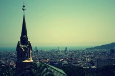 Barcelona: The Perfect Weekend Getaway.  Love the old city!