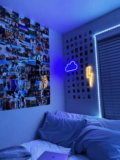 #dormdecor #dormideas #roominspo #ledlights #neonsigns #vsco Neon Bedroom, Cute Bedroom Decor, Room Design Bedroom, Teen Room Decor, Indie Room Decor, Room Ideas Bedroom, Bedroom Inspo, Grunge Bedroom, Hipster Room Decor