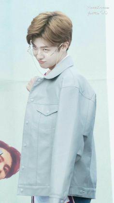 Yes meme king lol 😂 Nct U Members, Nct Dream Members, Winwin, Taeyong, Jaehyun, Nct 127, Kpop, Saranghae, Rapper