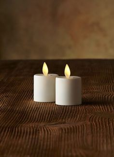 Moving Flame Tea Light Candles are like no other battery operated candle. The flame moves creating dance like motion that is stunning and so realistic.   Realistic moving, flickering flame  1 x CR2450 Included and Replaceable