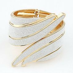 Punk metal exaggerated angel wings shaped bracelet – USD $ 10.99