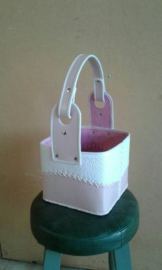Felt Diy, Leather Working, Diana, Bags, Sewing, Tela, Leather Bags Handmade, Handmade Leather, Leather Accessories