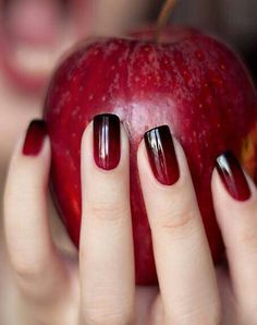 Black to red ombré nails are perfect for those who wish to wear a more understated look on their nails this Halloween #perfectlysimple...x