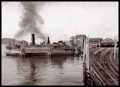"""San Francisco"" Ferry at the Oakland Mole & Key Route Pier Railroad c1920 #oakland"